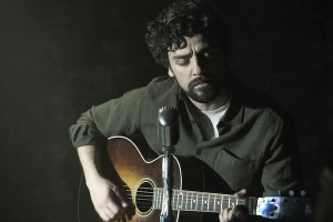 Inside Llewyn Davis- Llewyn playing