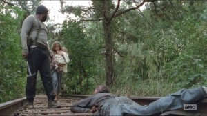 The Grove- Lizzie stops Tyreese from killing walker caught in train tracks