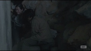 Us- Glenn tries to free Tara from rubble