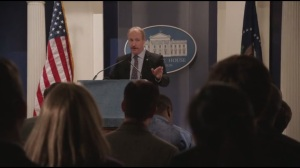 New Hampshire- Mike dazzles the journalists at a press briefing