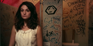 Obvious Child- Donna in bathroom