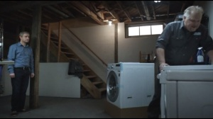 The Heap- Lester receives a new washing machine