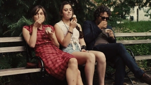 Begin Again, Greta, Violet and Dan eating ice cream