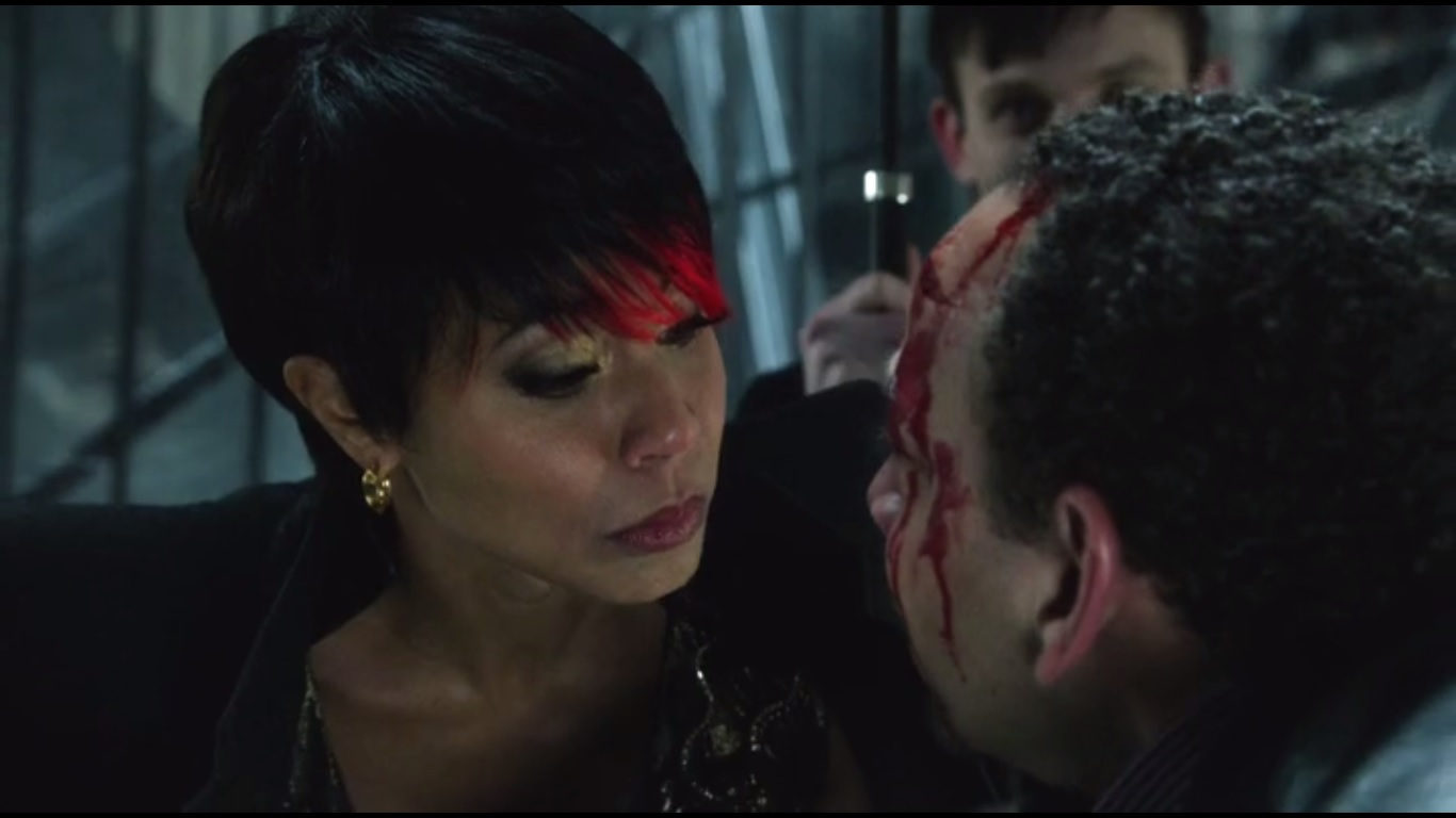 A look at gotham series premiere pilot what else is for Who is fish mooney