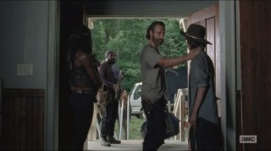 Crossed- Rick says his goodbyes to Carl as he, Tyreese, Daryl, Sasha and Noah leave the church
