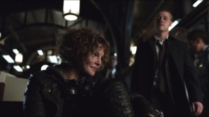 The Mask- Gordon finds Selina waiting for him