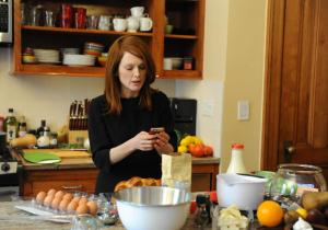 Still Alice- Alice looks up recipes
