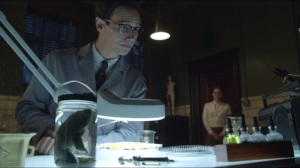 Welcome Back, Jim Gordon- Nygma surgically removes onions from his take-out
