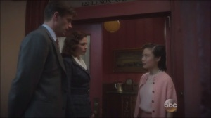 A Sin to Err- Edwin and Peggy speak to one of Howard Stark's past flings