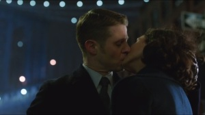 The Scarecrow- Gordon and Thompkins kiss after their third date