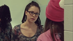 Community of Dreadful Fear and Hate- Cosima and Alison talk in the bathroom