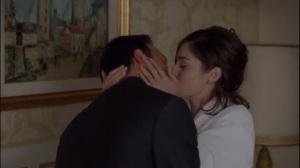 Surrogates- Virginia kisses Dan