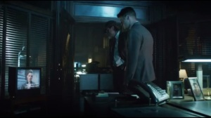 Knock, Knock- Jim and Harvey watch the GCPD report on the Maniax