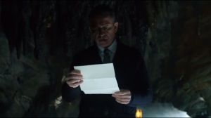 This Ball of Mud and Meanness- Alfred finds Bruce's note