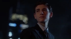 anything-for-you-bruce-is-confused-after-selina-kisses-him