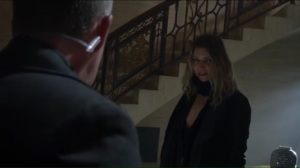 beware-the-green-eyed-monster-maria-played-by-ivana-milicevic-saves-alfred-bruce-and-selina