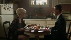 blood-rush-isabella-puts-on-glasses-as-she-has-breakfast-with-edward