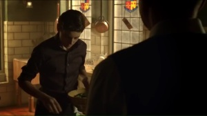 red-queen-alfred-finds-bruce-making-dinner