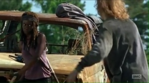 service-michonne-prepares-to-kill-a-walker