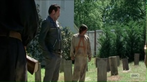 service-negan-at-the-graves-of-abraham-glenn-and-maggie