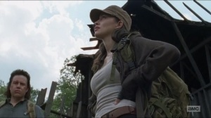 sing-me-a-song-rosita-attempts-to-apologize-to-eugene