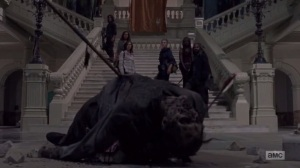 A New Beginning- Daryl kills a walker in an art gallery- The Walking Dead