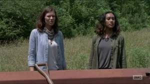 Warning Signs- Maggie and Cyndie arrive at a rundown house- AMC, The Walking Dead