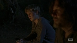 Stradivarius- Henry thanks Daryl for helping him- The Walking Dead, AMC