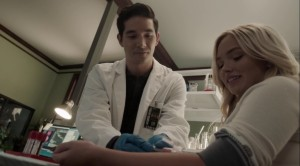 gaMe changer- Lauren asks Noah if he can take her to the lab- The Gifted, Fox, X-Men