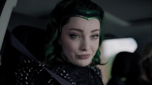gaMe changer- Lorna brings her headpiece to the mission- The Gifted, Fox, X-Men