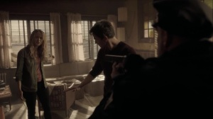 meMento- Caitlin tells the cops to go deal with the mutant threat on the streets- The Gifted, Fox, X-Men