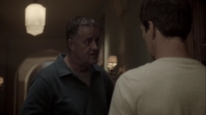 meMento- Reed talks with the landlord about the noises in his unit- The Gifted, Fox, X-Men
