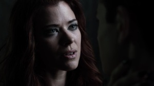 Trespassers- Ivy learns that Selina is the one in danger- Fox, Gotham, DC