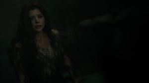 Trespassers- Ivy tells Bruce that she didn't kill the men- Fox, Gotham, DC