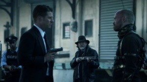 Trespassers- Sykes greeted by GCPD- Fox, Gotham, DC