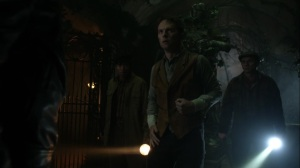 Trespassers- Villagers tell Bruce about the witch- Fox, Gotham, DC