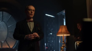 Year Zero- Mr. Penn offers bullets to Barbara in exchange for food- Fox, Gotham, DC