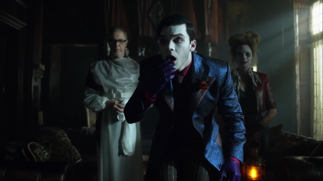 "A Look at Gotham- Season 5, Episode 5: ""Legend of the Dark Knight"