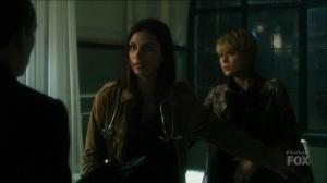 I Am Bane- Leslie tells Oswald not to point a gun at Barbara's baby- Fox, Gotham