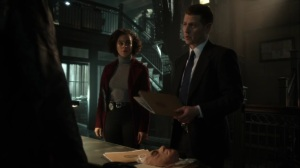 Nothing's Shocking- Jim and Harper present a file on Dix and Harvey's old case- Fox, Gotham