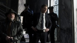 The Trial of Jim Gordon- Jim proposes that the gangs agree to a cease fire- Fox, Gotham