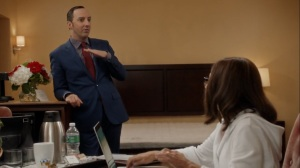 Iowa- Gary tells Selina that he thinks Amy is hooking up with Dan- HBO, Veep