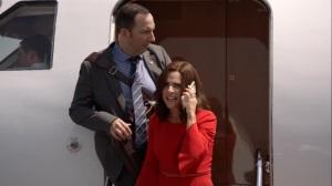 Iowa- Selina and Gary at the wrong airport- HBO, Veep
