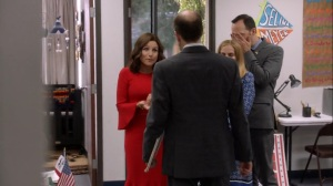Iowa- Selina offers thoughts and prayers after the recent shooting- HBO, Veep