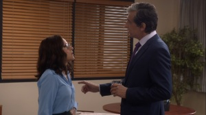 Pledge- Andrew and Selina discuss the Meyer Fund- Veep, HBO