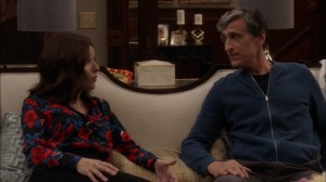 Super Tuesday- Andrew tells Selina that he may be leaving the country- Veep, HBO