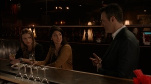Super Tuesday- Dan recognizes one of the women at the bar- Veep, HBO