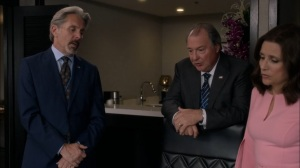 Super Tuesday- Kent knows someone who can translate the Mandarin letter- Veep, HBO