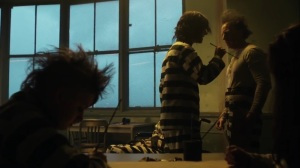 The Beginning- Riddler warns an inmate against painting on Jeremiah- Gotham, Fox