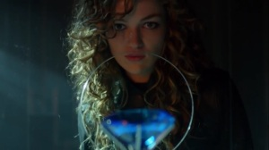 The Beginning- Selina Kyle, now played by Lili Simmons, about to steal a diamond- Gotham, Fox